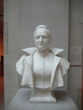 dr-thompson-bust(281x375)