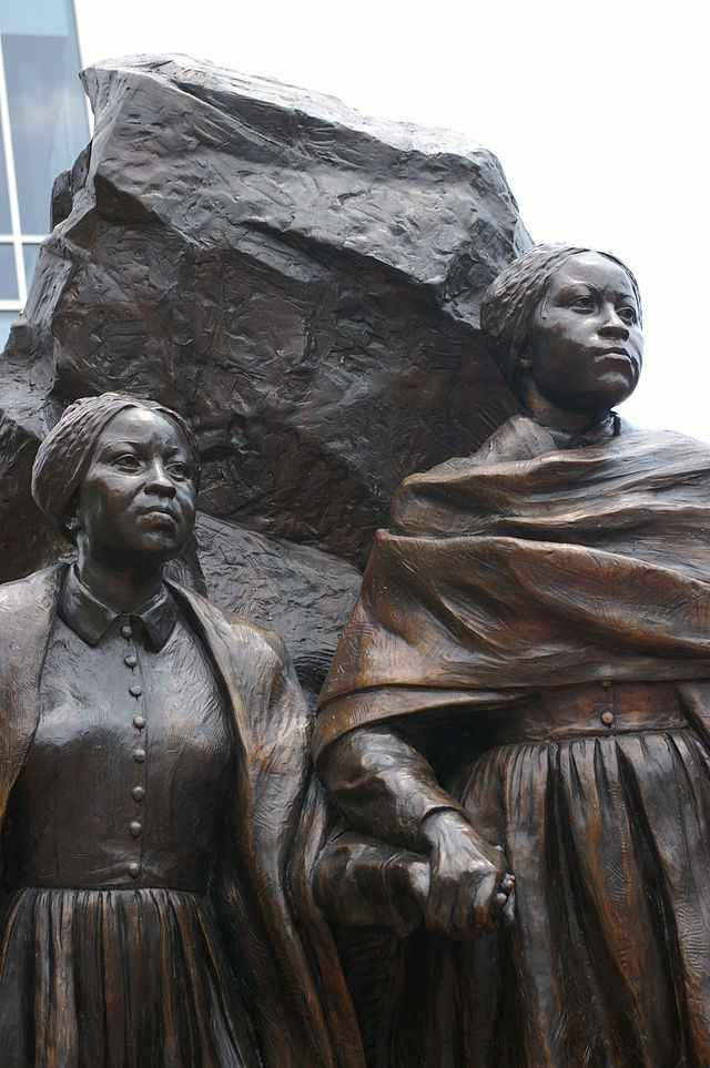 monument to Edmonson sisters